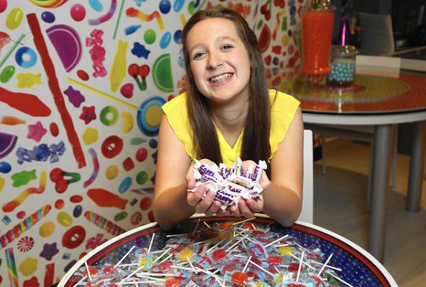 Được mời ăn kẹo mút nhưng sợ sâu răng, và cô bé 7 tuổi khởi nghiệp tạo công ty triệu đô
